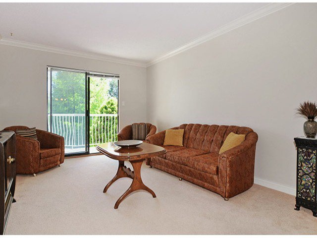 "Photo 2: Photos: 305 12890 17TH Avenue in Surrey: Crescent Bch Ocean Pk. Condo for sale in ""Ocean Park Place"" (South Surrey White Rock)  : MLS®# F1316896"