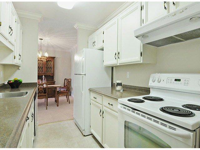 "Photo 6: Photos: 305 12890 17TH Avenue in Surrey: Crescent Bch Ocean Pk. Condo for sale in ""Ocean Park Place"" (South Surrey White Rock)  : MLS®# F1316896"