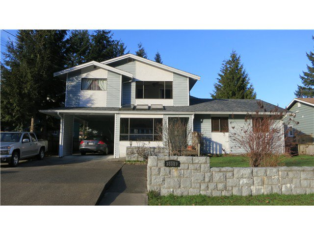 Main Photo: 38089 GUILFORD DR in Squamish: Valleycliffe House for sale : MLS®# V1042661