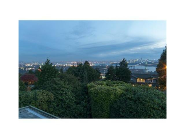 Main Photo: 855 AUBENEAU CR in West Vancouver: Sentinel Hill House for sale : MLS®# V1102918