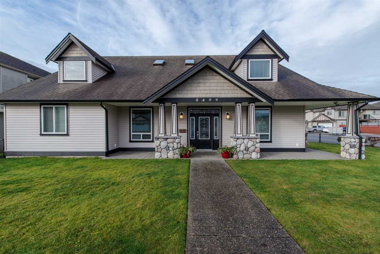 Main Photo: 8499 FENNELL STREET in Mission: Mission BC House for sale : MLS®# R2031857
