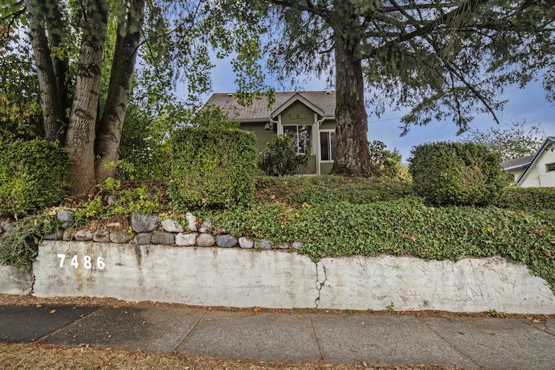 Main Photo: 7486 MURRAY STREET in Mission: Mission BC House for sale : MLS®# R2104711
