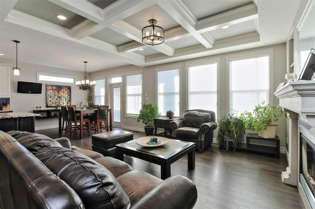 Main Photo: 23 GOVERNOR Place: Spruce Grove House for sale : MLS®# E4193245