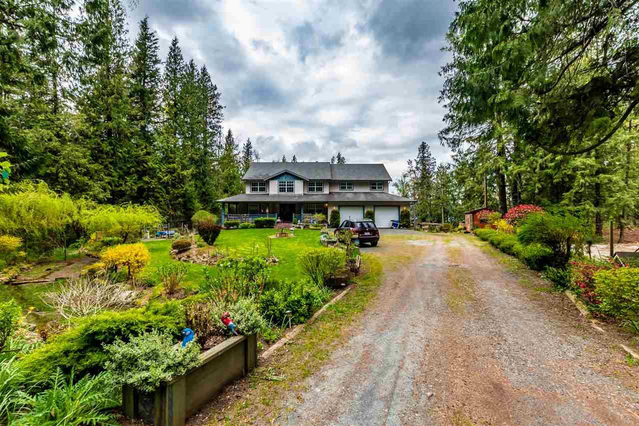 Main Photo: 41917 MAPLE Lane in Yarrow: Majuba Hill House for sale : MLS®# R2452170