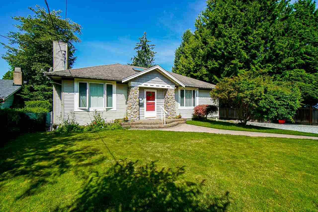 """Main Photo: 1575 BREARLEY Street: White Rock House for sale in """"Centennial Park"""" (South Surrey White Rock)  : MLS®# R2477312"""
