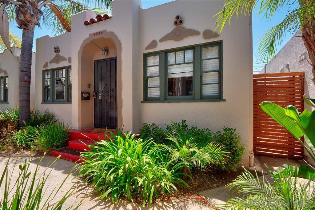 Main Photo: UNIVERSITY HEIGHTS Condo for sale : 2 bedrooms : 4718 1/2 Oregon St in San Diego