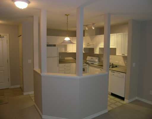 "Main Photo: 104 22230 NORTH AV in Maple Ridge: West Central Condo for sale in ""SOUTHRIDGE TERRACE"" : MLS®# V581177"