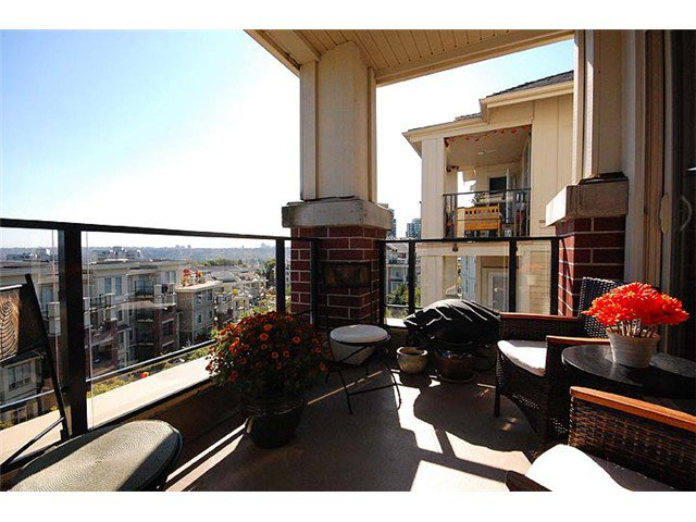 """Photo 2: Photos: 308 285 ROSS Drive in New Westminster: Fraserview NW Condo for sale in """"THE GROVE"""" : MLS®# V971218"""