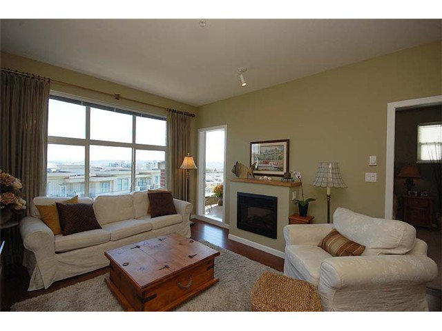 """Photo 3: Photos: 308 285 ROSS Drive in New Westminster: Fraserview NW Condo for sale in """"THE GROVE"""" : MLS®# V971218"""