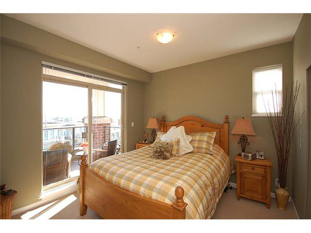 """Photo 7: Photos: 308 285 ROSS Drive in New Westminster: Fraserview NW Condo for sale in """"THE GROVE"""" : MLS®# V971218"""
