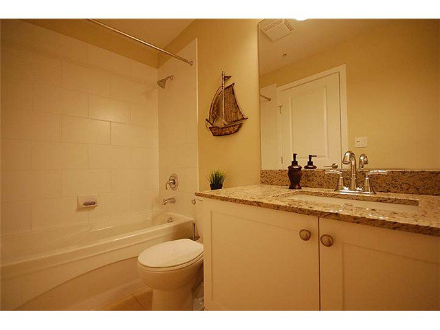 """Photo 8: Photos: 308 285 ROSS Drive in New Westminster: Fraserview NW Condo for sale in """"THE GROVE"""" : MLS®# V971218"""