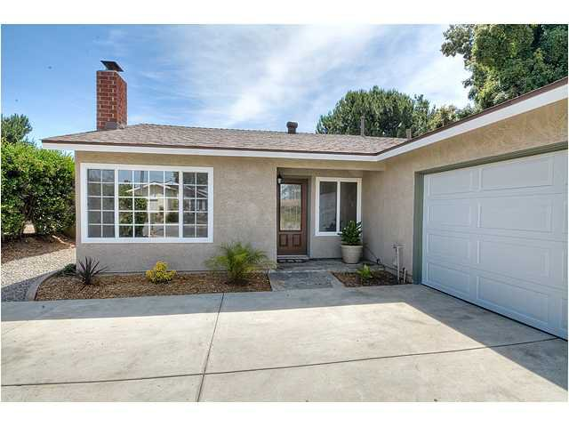 Photo 2: Photos: POWAY House for sale : 4 bedrooms : 13355 Montego Drive
