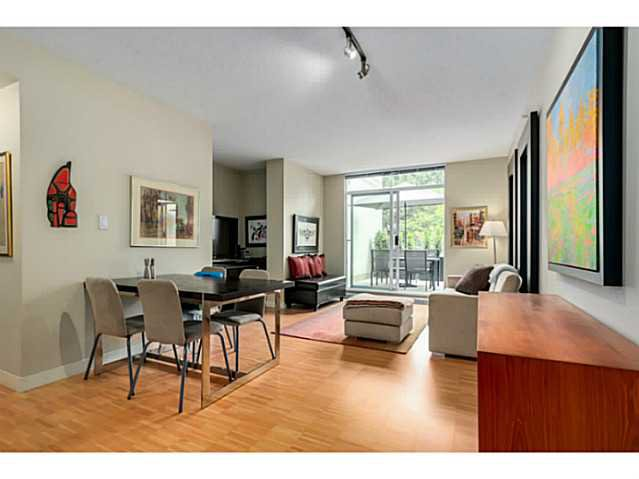 "Main Photo: 210 2520 MANITOBA Street in Vancouver: Mount Pleasant VW Condo for sale in ""THE VUE"" (Vancouver West)  : MLS®# V1076626"