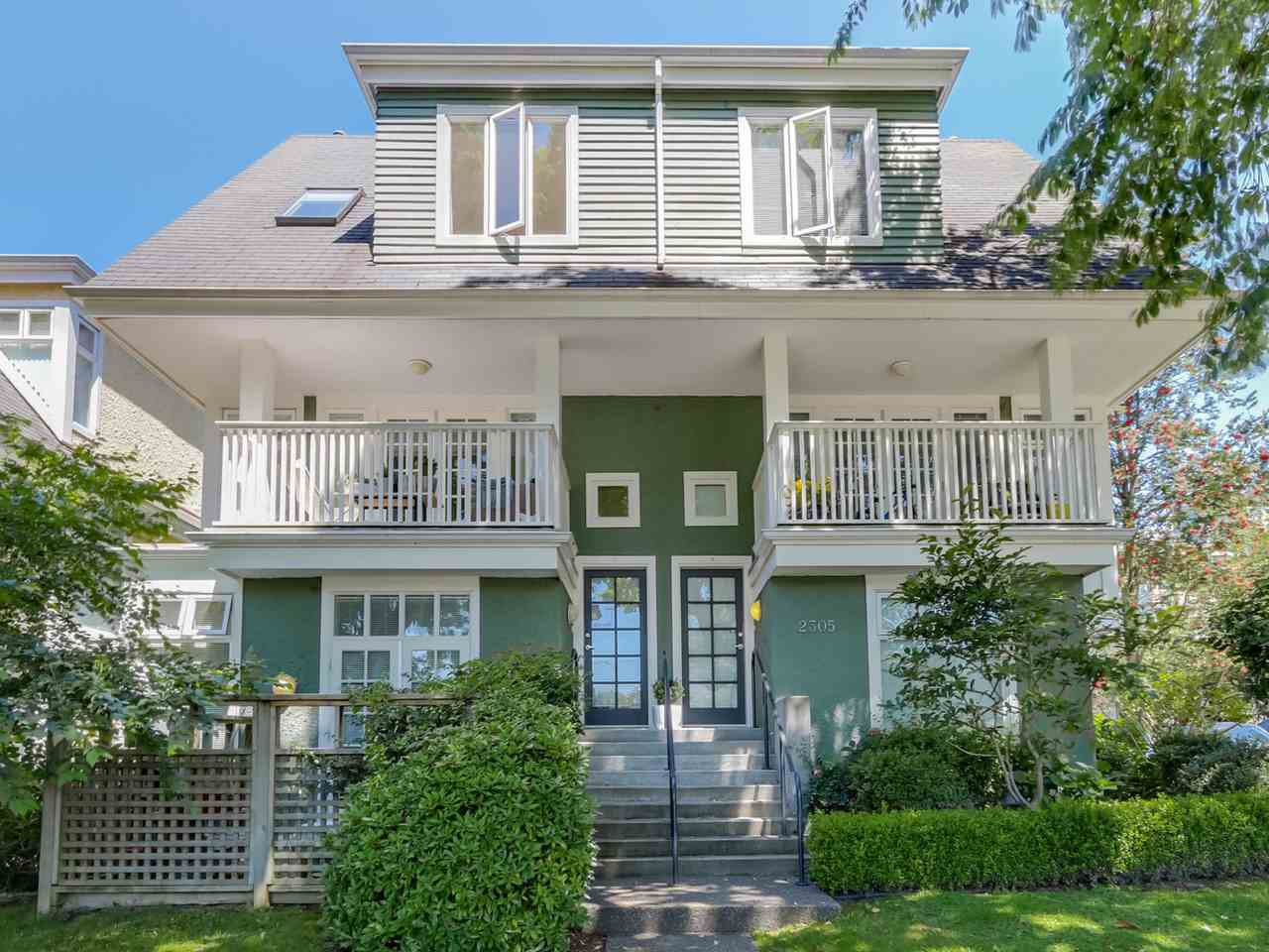Main Photo: 3 2305 W 10TH AVENUE in Vancouver: Kitsilano Townhouse for sale (Vancouver West)  : MLS®# R2087284