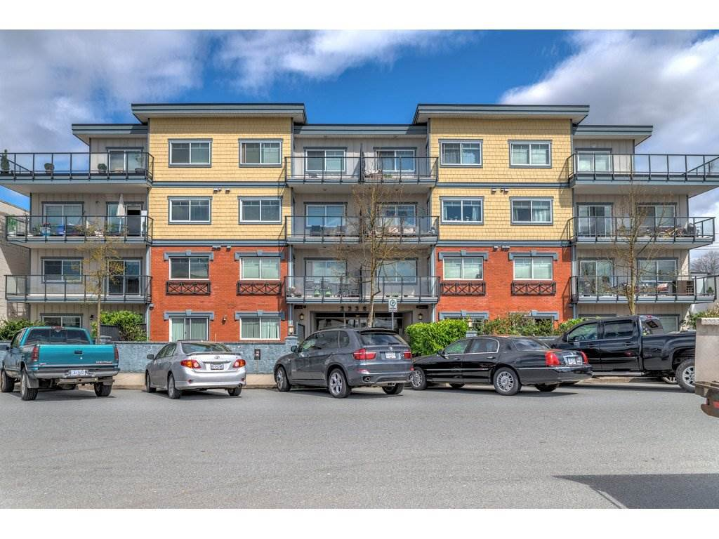 Main Photo: 202 22363 SELKIRK AVENUE in : West Central Condo for sale : MLS®# R2259876