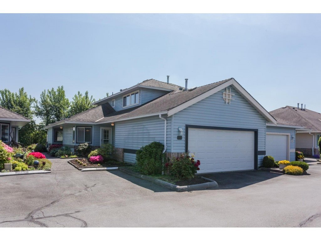 Main Photo: 42 5550 LANGLEY BYPASS in : Langley City Townhouse for sale : MLS®# R2270354