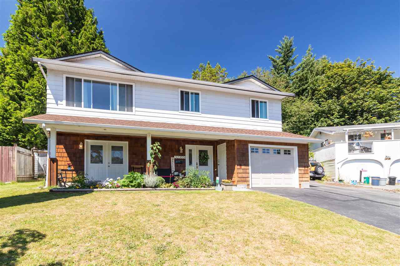 Main Photo: 32355 MALLARD Place in Mission: Mission BC House for sale : MLS®# R2398021