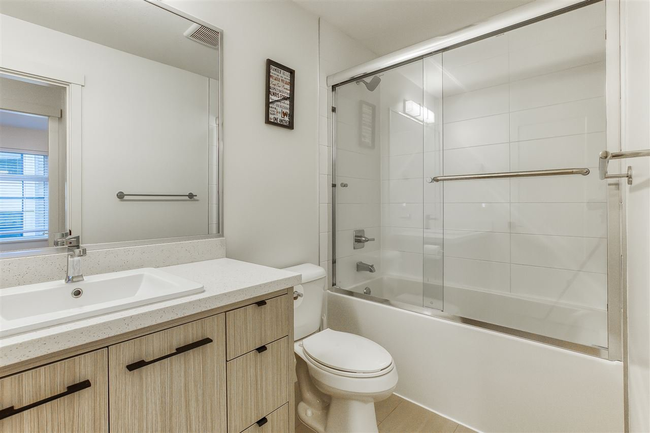 "Photo 15: Photos: 73 14058 61 Avenue in Surrey: Sullivan Station Townhouse for sale in ""Summit"" : MLS®# R2423344"