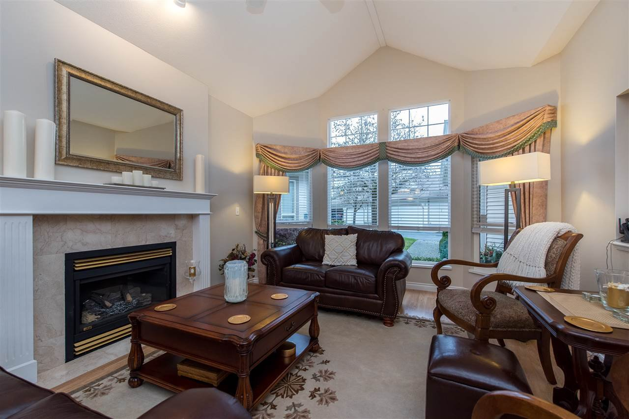 """Photo 2: Photos: 101 9025 216 Street in Langley: Walnut Grove Townhouse for sale in """"Coventry Woods"""" : MLS®# R2427866"""