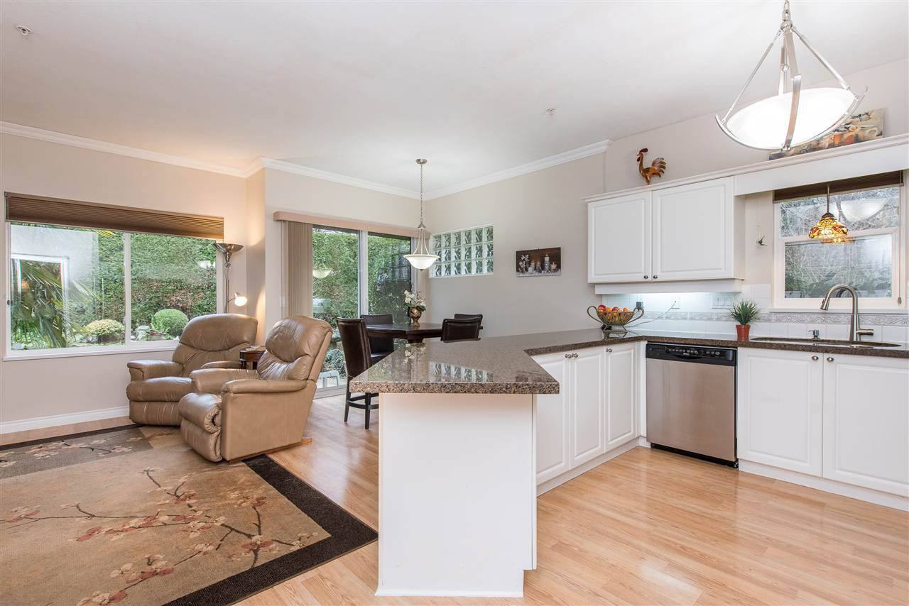 """Photo 5: Photos: 101 9025 216 Street in Langley: Walnut Grove Townhouse for sale in """"Coventry Woods"""" : MLS®# R2427866"""