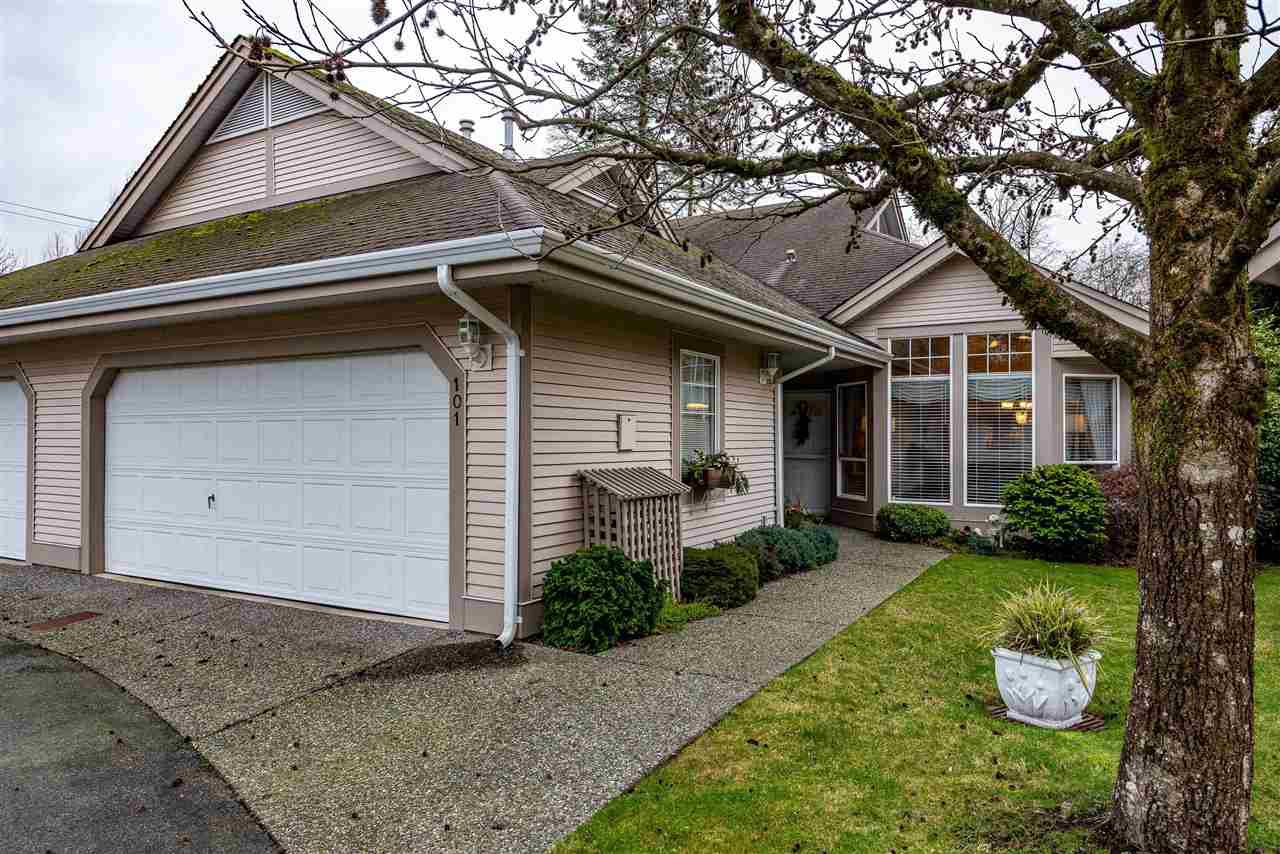"Main Photo: 101 9025 216 Street in Langley: Walnut Grove Townhouse for sale in ""Coventry Woods"" : MLS®# R2427866"