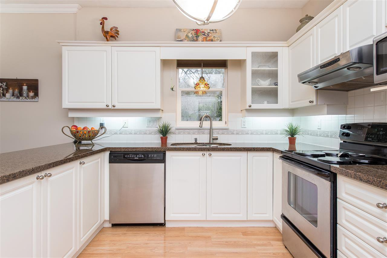 """Photo 6: Photos: 101 9025 216 Street in Langley: Walnut Grove Townhouse for sale in """"Coventry Woods"""" : MLS®# R2427866"""