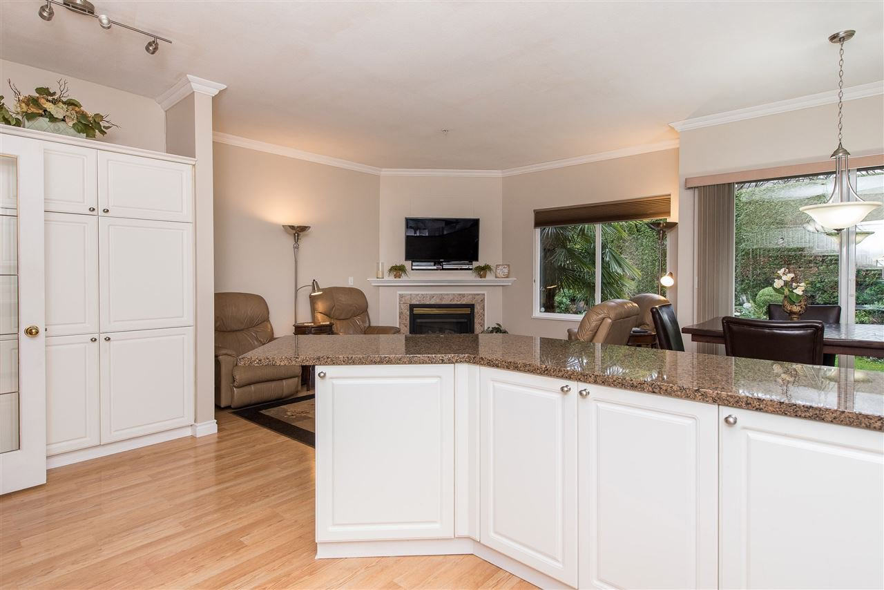 """Photo 7: Photos: 101 9025 216 Street in Langley: Walnut Grove Townhouse for sale in """"Coventry Woods"""" : MLS®# R2427866"""