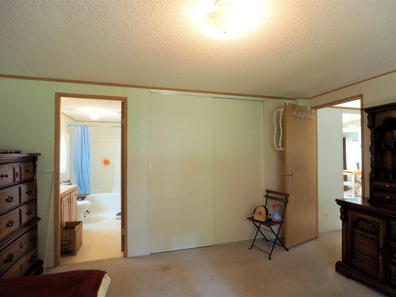 Photo 13: Photos: 4836 GLOINNZUN Drive in 108 Mile Ranch: 108 Ranch Manufactured Home for sale (100 Mile House (Zone 10))  : MLS®# R2435093