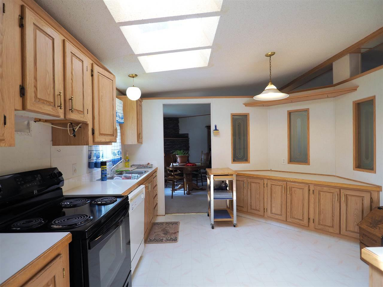 Photo 8: Photos: 4836 GLOINNZUN Drive in 108 Mile Ranch: 108 Ranch Manufactured Home for sale (100 Mile House (Zone 10))  : MLS®# R2435093