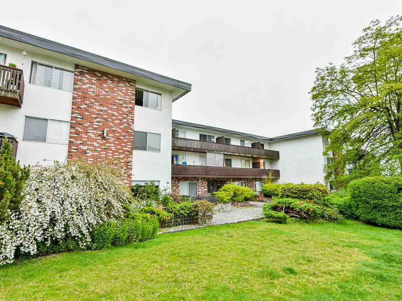 "Main Photo: 103 910 FIFTH Avenue in New Westminster: Uptown NW Condo for sale in ""Grosvenor Court/ Aldercrest Developments Inc."" : MLS®# R2459937"