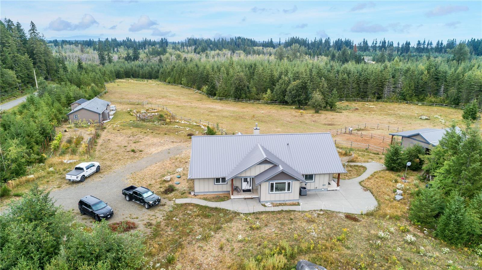 Main Photo: 4185 Chantrelle Way in : CR Campbell River South Single Family Detached for sale (Campbell River)  : MLS®# 850801