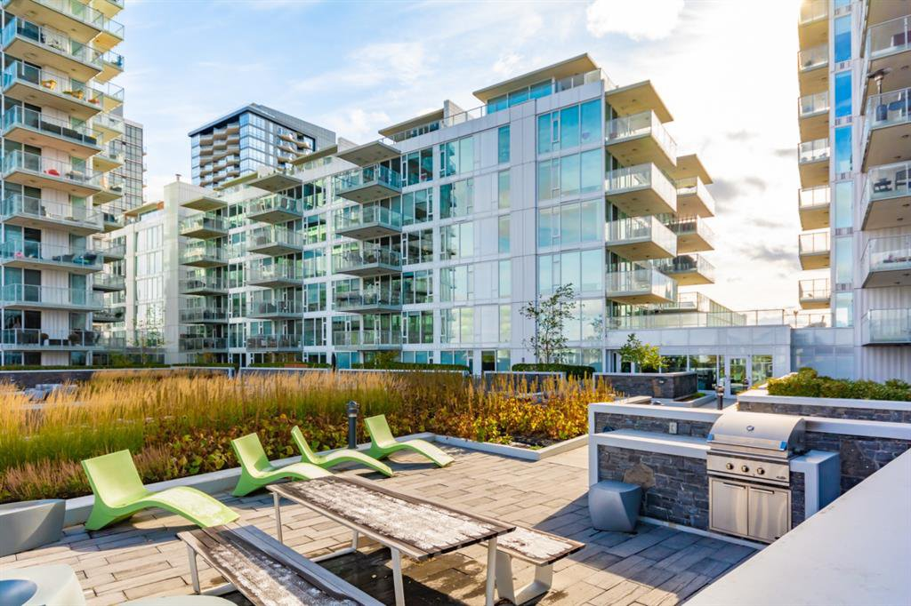 Main Photo: 209 560 6 Avenue SE in Calgary: Downtown East Village Apartment for sale : MLS®# A1042845
