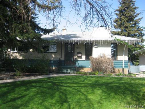 Main Photo: 2836 ROTHWELL Street in Regina: Dominion Heights Single Family Dwelling for sale (Regina Area 03)  : MLS®# 431645