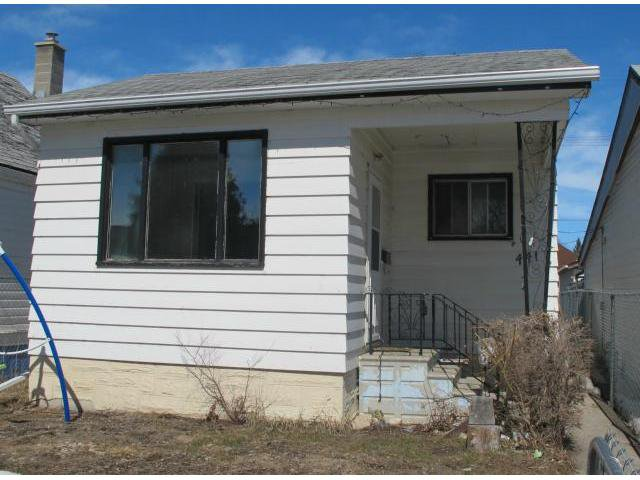 Main Photo:  in WINNIPEG: East Kildonan Residential for sale (North East Winnipeg)  : MLS®# 1306360