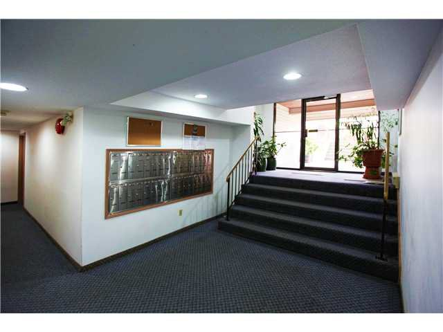 Photo 2: Photos: # 306 2045 FRANKLIN ST in : Hastings Condo for sale : MLS®# V882501