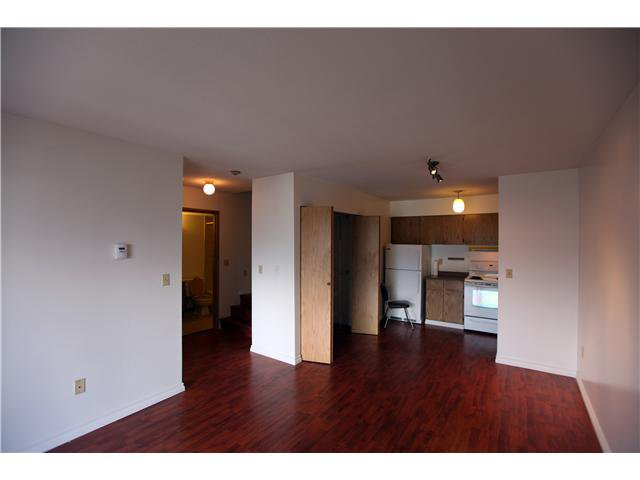 Photo 5: Photos: # 306 2045 FRANKLIN ST in : Hastings Condo for sale : MLS®# V882501