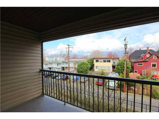 Photo 8: Photos: # 306 2045 FRANKLIN ST in : Hastings Condo for sale : MLS®# V882501