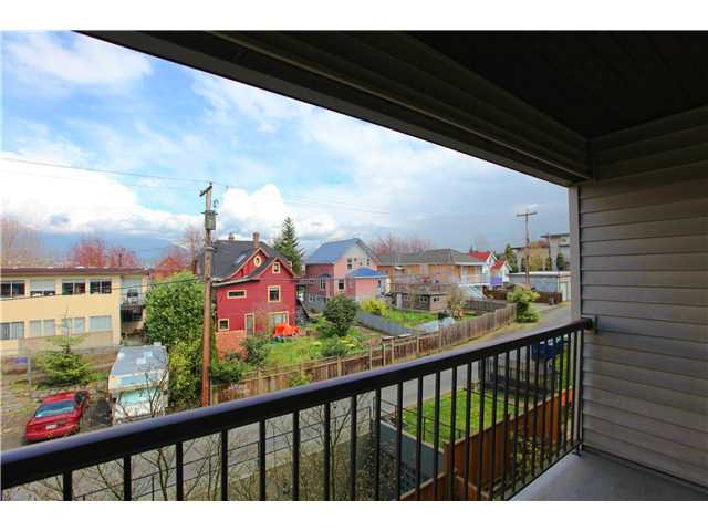 Photo 9: Photos: # 306 2045 FRANKLIN ST in : Hastings Condo for sale : MLS®# V882501