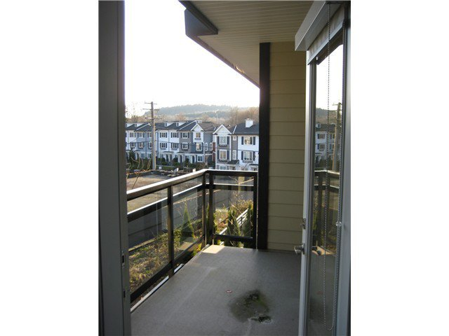 Photo 3: Photos: # 305 2664 KINGSWAY AV in Port Coquitlam: Central Pt Coquitlam Condo for sale : MLS®# V1015529