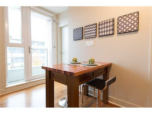 """Photo 9: Photos: 321 2268 W BROADWAY in Vancouver: Kitsilano Condo for sale in """"The Vine"""" (Vancouver West)  : MLS®# V1073483"""