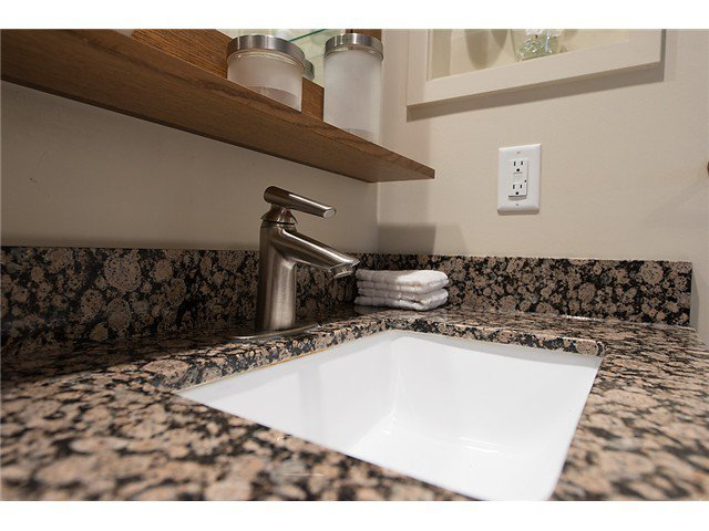 """Photo 12: Photos: 321 2268 W BROADWAY in Vancouver: Kitsilano Condo for sale in """"The Vine"""" (Vancouver West)  : MLS®# V1073483"""