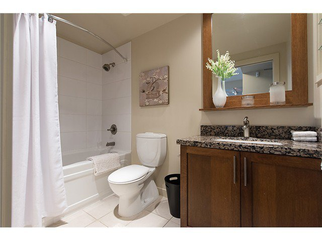 """Photo 11: Photos: 321 2268 W BROADWAY in Vancouver: Kitsilano Condo for sale in """"The Vine"""" (Vancouver West)  : MLS®# V1073483"""