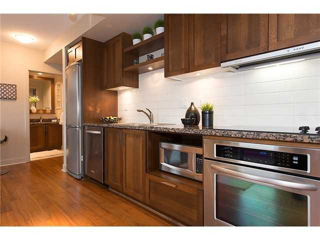 """Photo 4: Photos: 321 2268 W BROADWAY in Vancouver: Kitsilano Condo for sale in """"The Vine"""" (Vancouver West)  : MLS®# V1073483"""