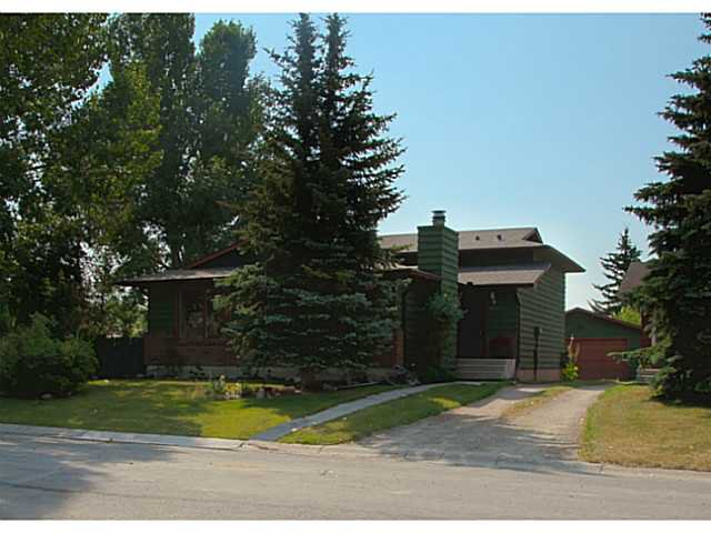 Main Photo: 108 WALDRON Avenue: Okotoks Residential Detached Single Family for sale : MLS®# C3629053