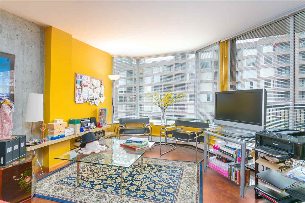 Main Photo: 417 1333 HORNBY STREET in Vancouver: Downtown VW Condo for sale (Vancouver West)  : MLS®# R2236200