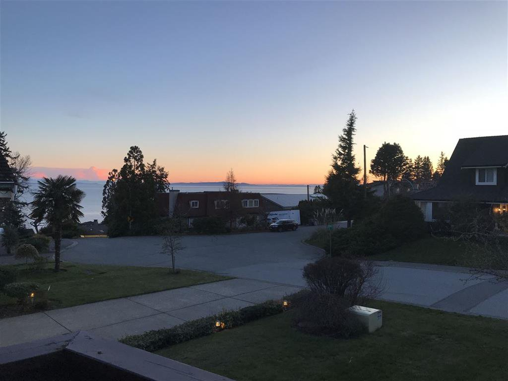 Main Photo: 1424 132b st in Surrey: Crescent Bch Ocean Pk. House for sale (South Surrey White Rock)  : MLS®# R2257270