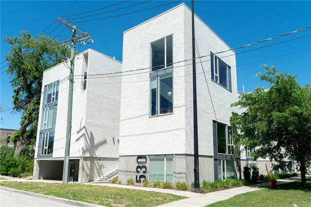 Main Photo: 5 530 Waterfront Drive in Winnipeg: Exchange District Condominium for sale (9A)  : MLS®# 1922176