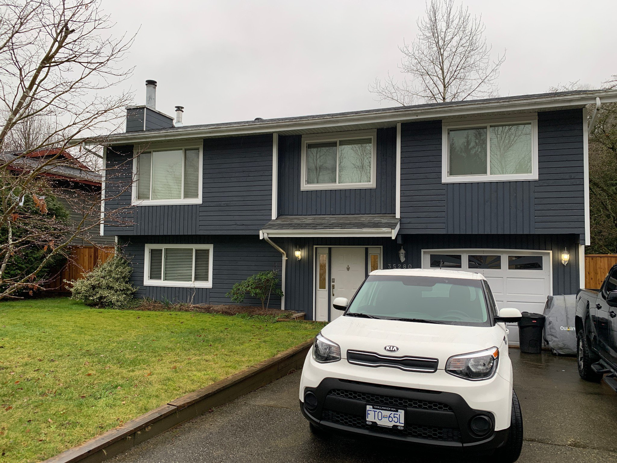 Main Photo: Upper 35280 Wells Gray Ave. in Abbotsford: Abbotsford East Condo for rent