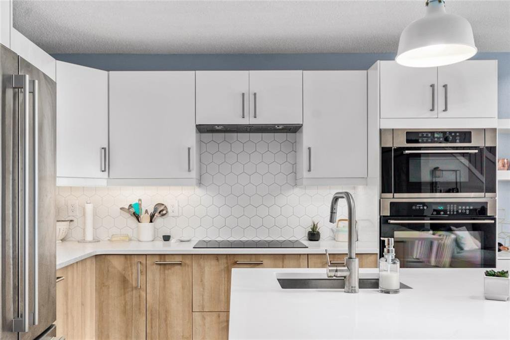 Main Photo: 407 1111 13 Avenue SW in Calgary: Beltline Apartment for sale : MLS®# C4294888