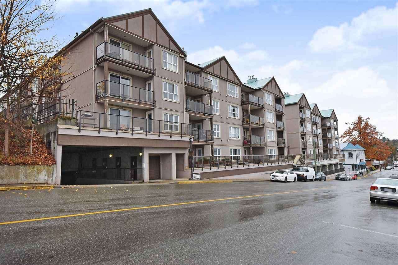 "Main Photo: 306 33165 2 Avenue in Mission: Mission BC Condo for sale in ""Mission Manor"" : MLS®# R2472686"